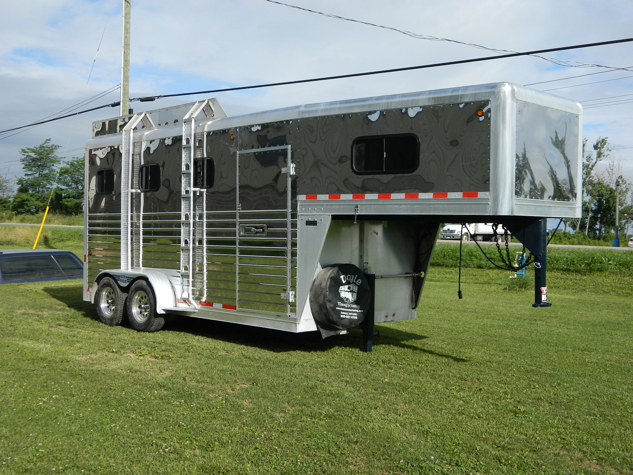 Used Trailers For Sale Ontario >> Doyle Manufacturing Custom Built Horse Trailers And Vans